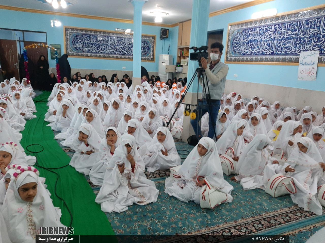 برگزاری جشن تکلیف 300 دانش آموز در زیرکوه