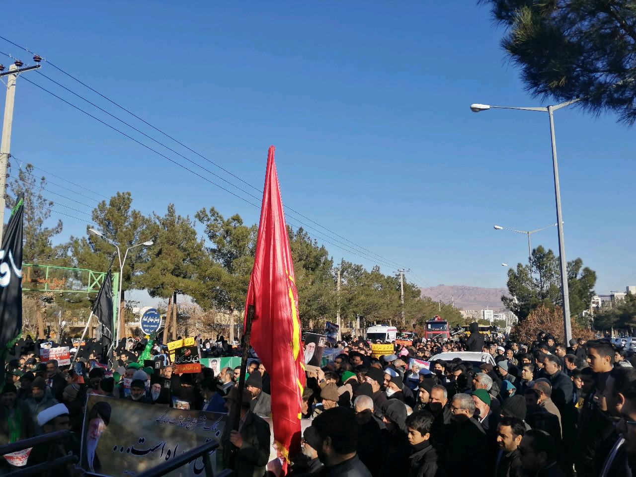 راهپیمایی مردم بیرجند در حمایت از اقدام شجاعانه سپاه پاسداران