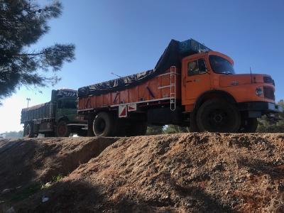 توقیف 3 دستگاه کامیون حامل کود دامی غیر مجاز