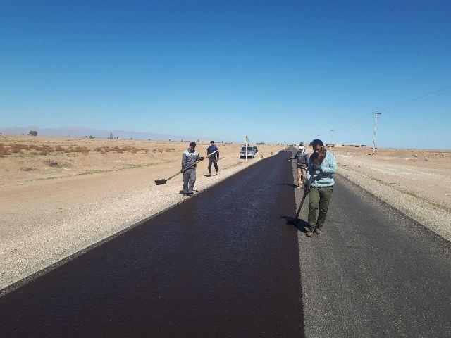 اجرای روکش آسفالت محور غنی آباد- نیگنان بطول ۳ کیلومتر