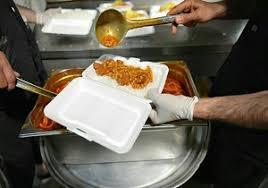 توزیع 78 سبد غذایی و 164 پرس غذای گرم بین مددجویان بهزیستی