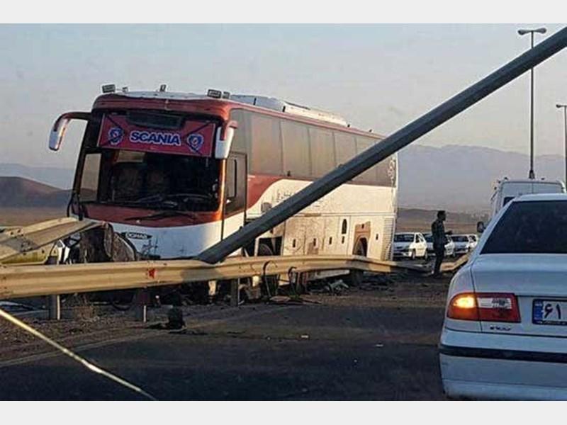 4کشته و مصدوم در تصادف جاده طبس – دیهوک
