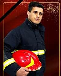 تشییع پیکر آتش نشان فداکار در شهر قهستان