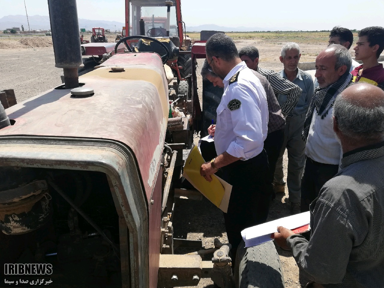 پلاک گذاری تراکتورهای آیسک شهرستان سرایان