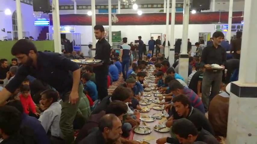 سفره افطاری رهبر معظم انقلاب در روستای بغداده بخش آیسک