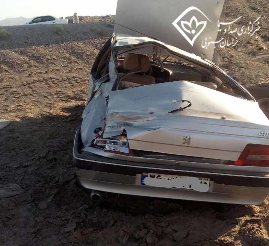سه مصدوم در واژگونی پژو 405
