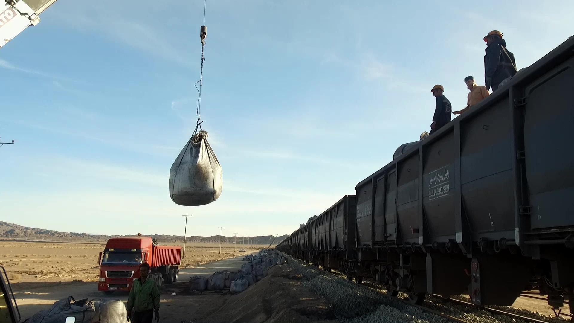 افزایش 60 درصدی حمل بار در راه آهن شرق