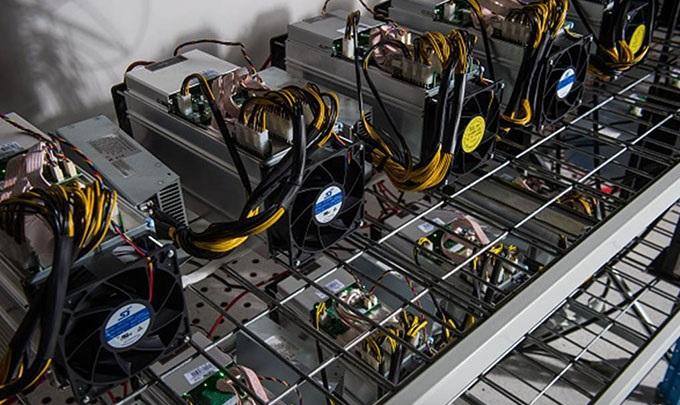 کشف 10 دستگاه استخراج ارز دیجیتال در قاین