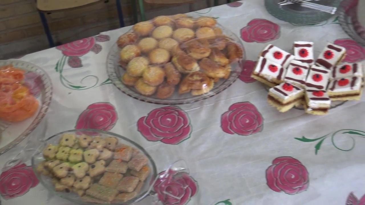 برپایی جشنواره شیرینی و کیک در روستای کرند