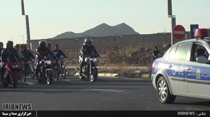برگزاری همایش و مانور شهری موتورسیکلت سواران قانونمند در بیرجند