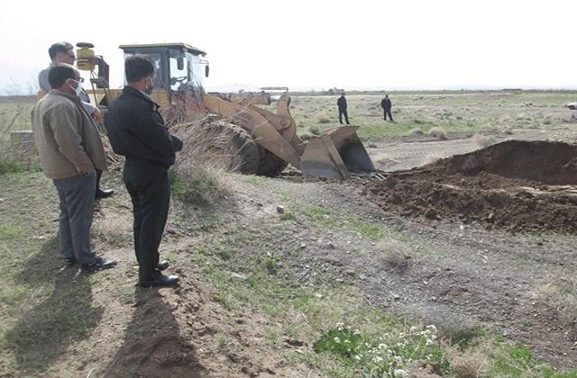 رفع انسداد بخشهایی از رودخانه فصلی سده شهرستان قاین