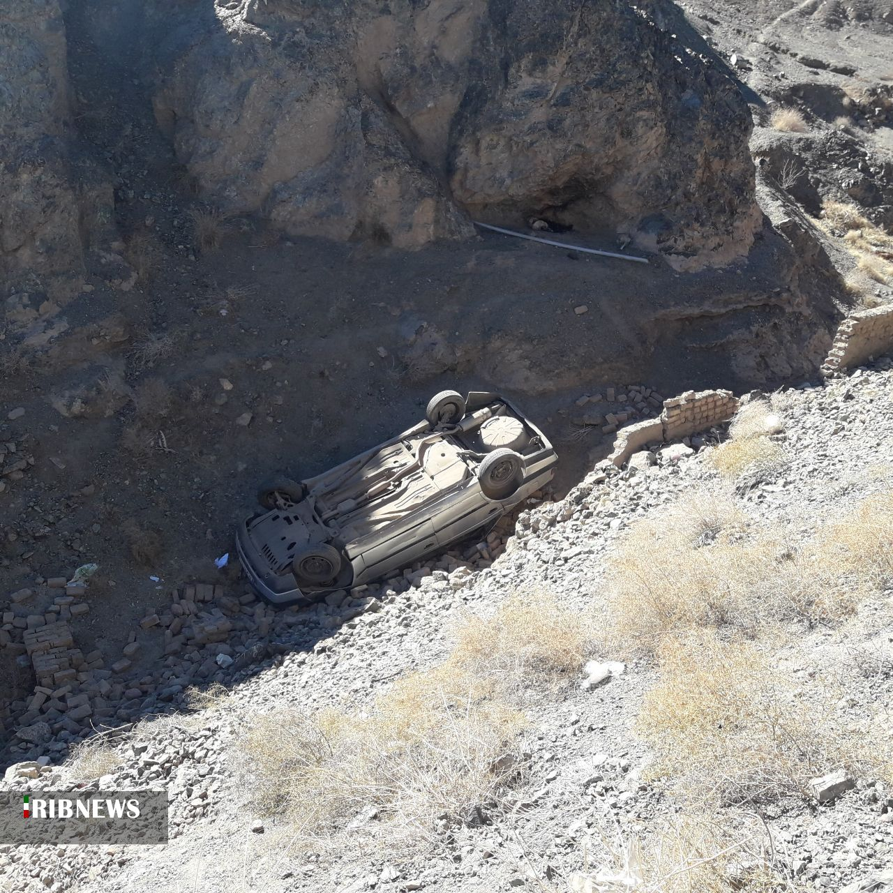 یک فوتی و چهار مصدوم در حادثه واژگونی پژو۴۰۵