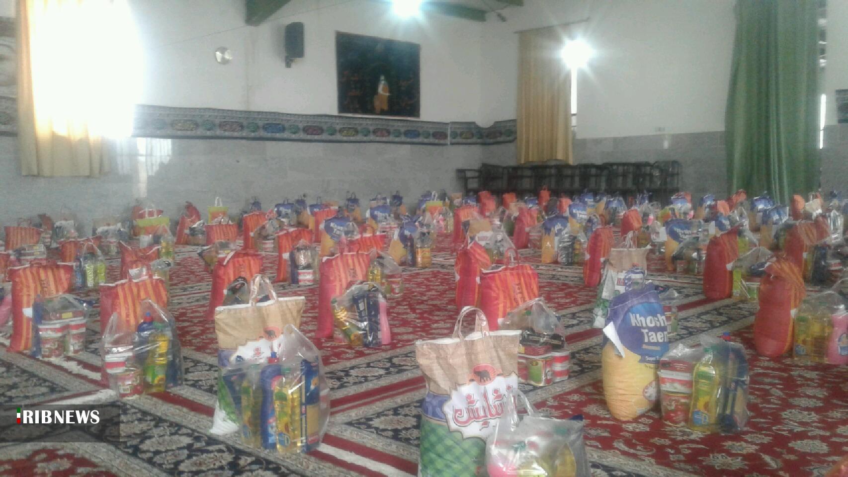 توزیع ۱۶۰ بسته کمک معیشتی در خوسف