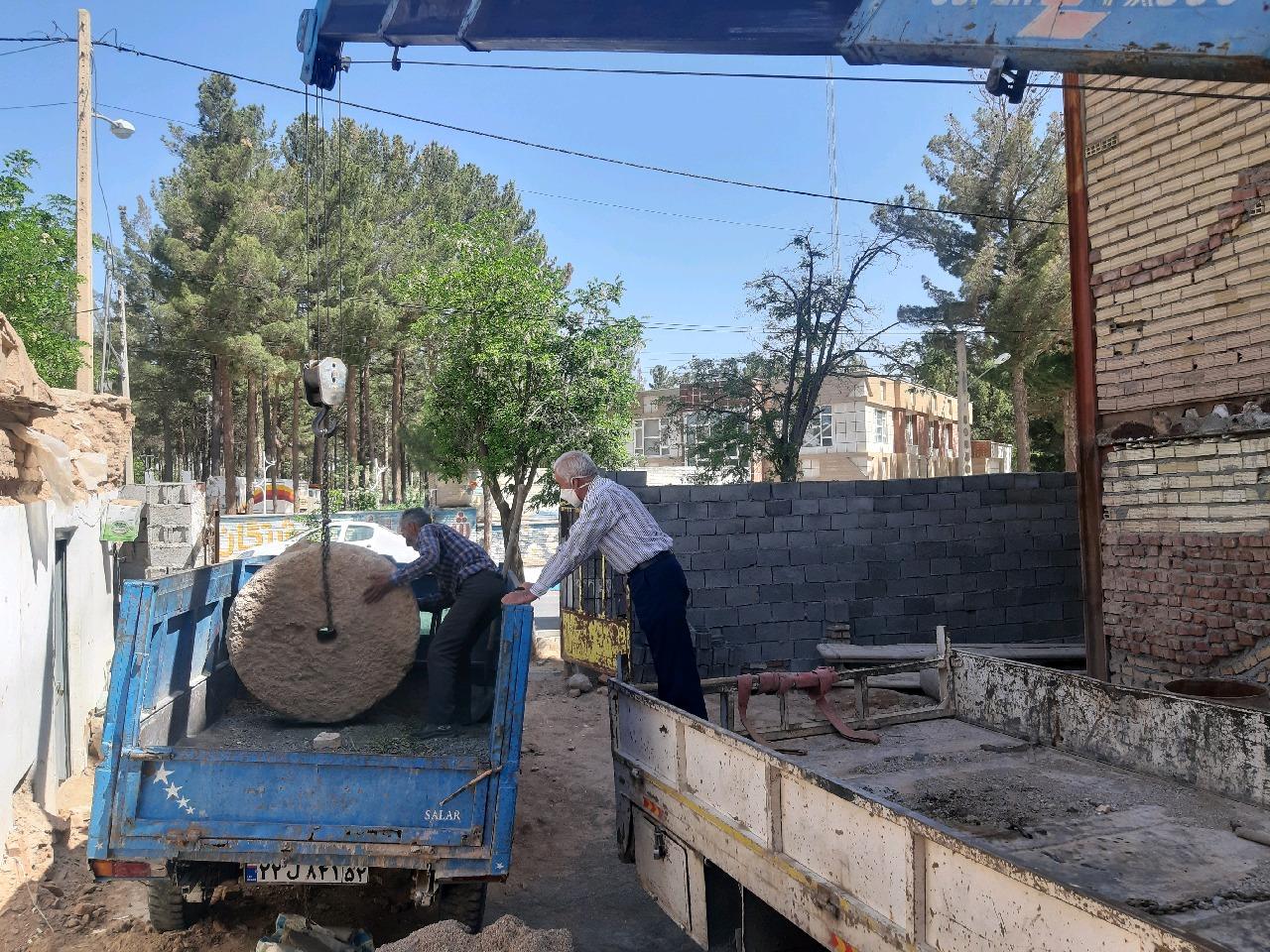 احیای آسیاب روستای شواکند با اهدای دو سنگ آسباد